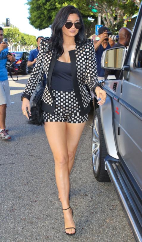 3-Kylie-Jenners-LA-Sass-Bide-Polka-Dotted-Print-Blazer-and-Matching-Shorts