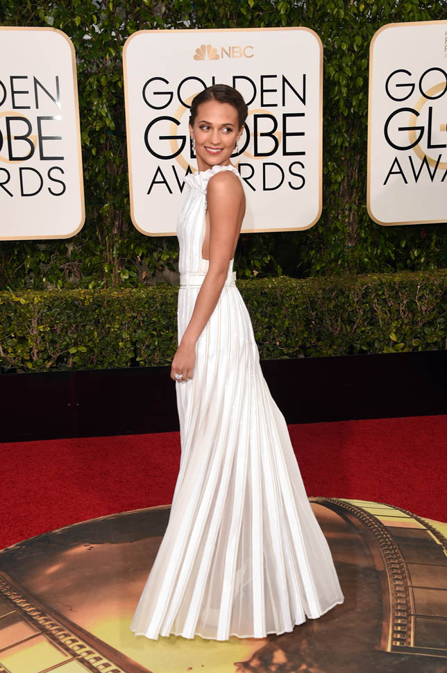 ALICIA VIKANDER GOLDEN GLOBES DRESS