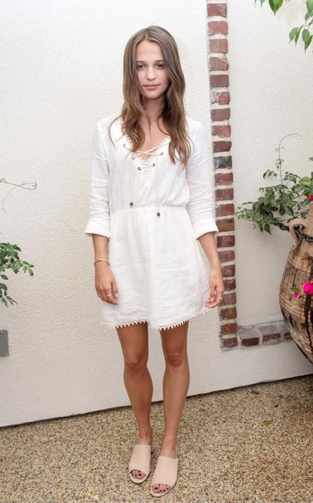 ALICIA VIKANDER STYLE_SHORT WHITE DRESS