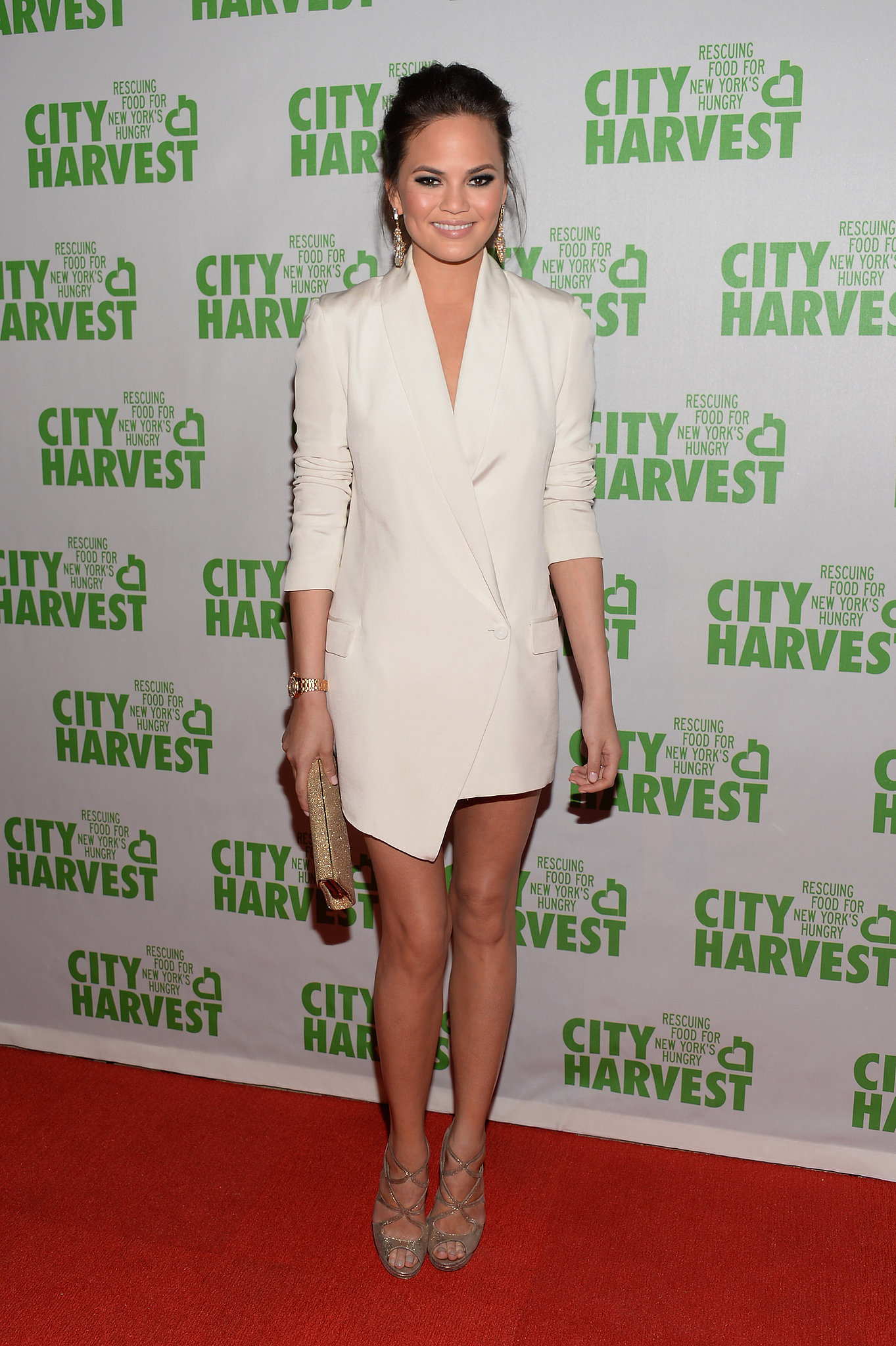 Chrissy-Teigen-took-sexy-menswear-approach-white-tuxedo