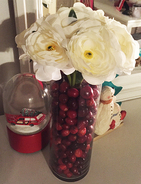 DIY-CRANBERRY-FLORAL-ARRANGEMENT