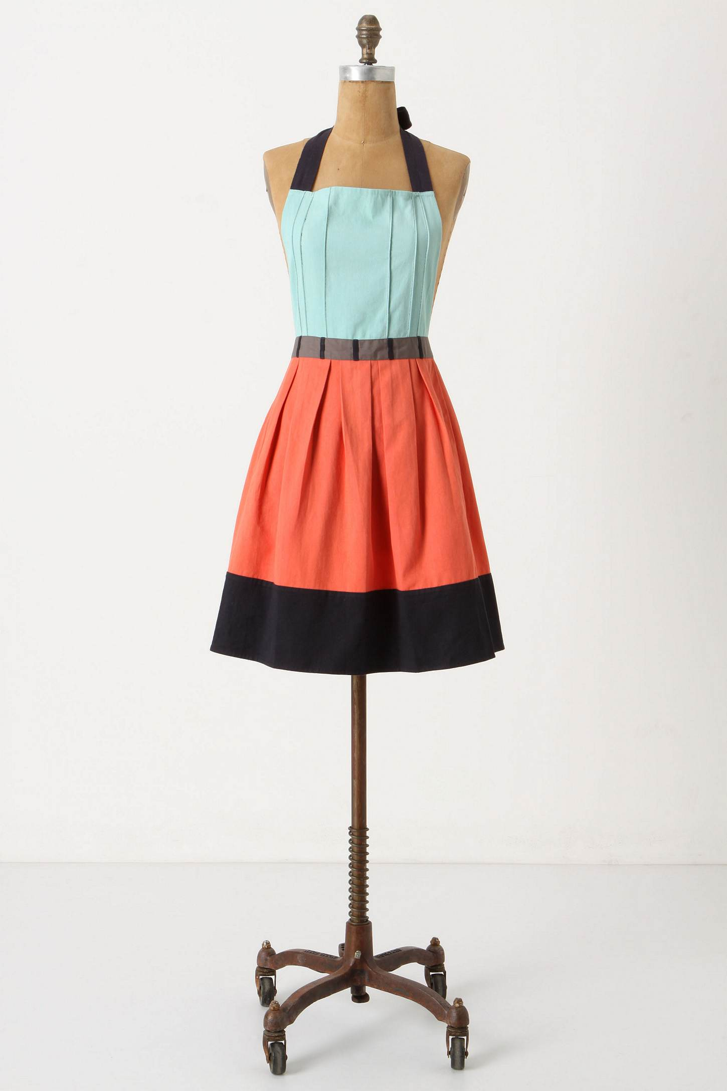 anthropologie apron work that skirt a blog from the ForAnthropologie Cuisine Couture Apron