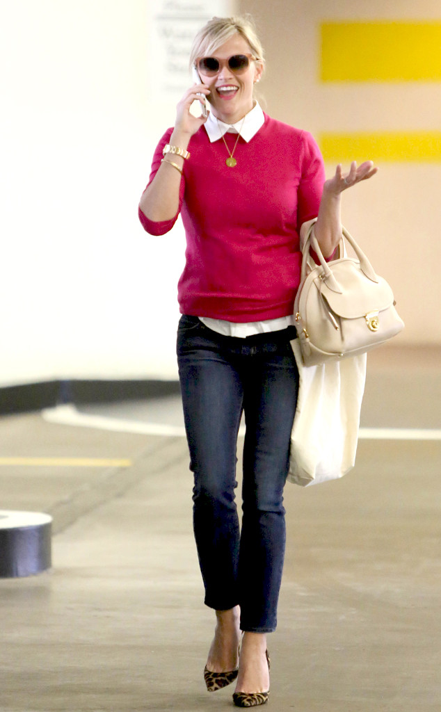 rs_634x1024-150124110254-634.Reese-Witherspoon-Pink-Sweater.jl.012415
